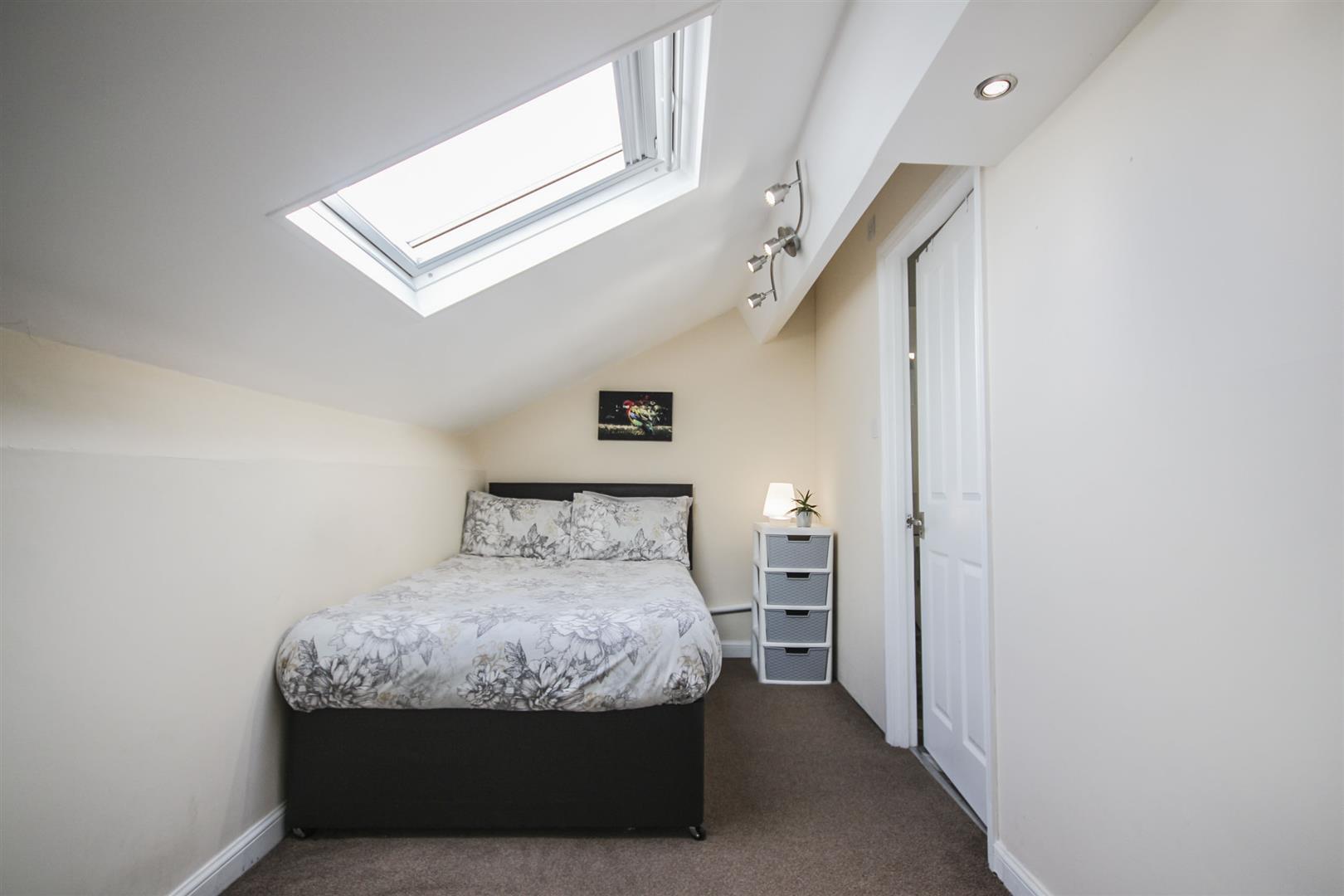 5 Bedroom Mid Terrace House For Sale - _._21.jpg